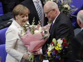 Bundestag zvolil Merkelovú po štvrtýkrát za kancelárku