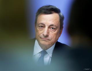DRAGHI: Eurozóna stále čelí rizikám, patrí k nim aj možný spor s USA