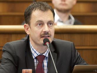 Novým šéfom výboru na kontrolu činnosti VOS je Eduard Heger