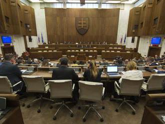 NRSR: Keď premiér podá demisiu, mimoriadna schôdza v pondelok nebude