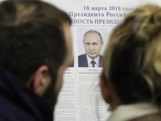 Putin získal podľa oficiálnych výsledkov vyše 76 percent hlasov