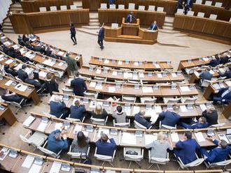 Mimoriadnu schôdzu o skrátení volebného obdobia v marci nestihnú