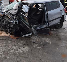 FOTO Tragédia pri Tvrdošíne: Desivá zrážka áut stála vodičku život, náraz do autobusu