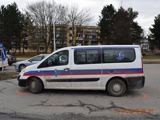 Vodič   v Martine prevážal pacientov: Spôsobil dopravnú nehodu a ešte aj nafúkal