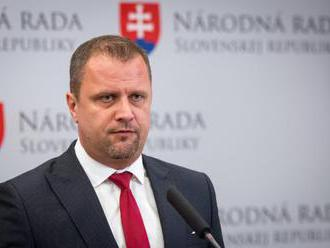 Hrnčiar sa stotožňuje s výsledkom Republikovej rady Most-Híd, bude hlasovať v súlade s klubom