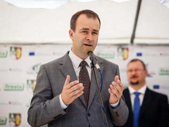 Všetci poslanci Smeru chcú podľa Podmanického vyjsť v ústrety ľuďom, aby voľby boli čo najskôr