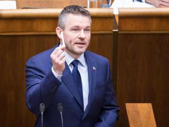 Pellegrini v prejave v parlamente poďakoval Kiskovi, priblížil ciele vlády a ukázal špáradlo