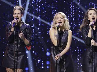 Z nežných markizáčok sú drsné rockerky: Pozrite si exkluzívne vystúpenie troch moderátoriek