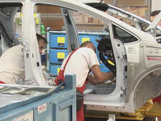 Automobilky čaká kritický rok: Volajú po zamestnancoch zo zahraničia