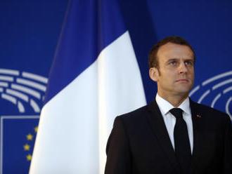 Macron přilétá na návštěvu USA, kde promluví v Kongresu