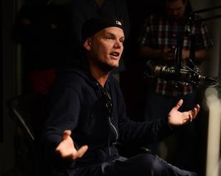 Svetoznámy DJ Avicii   zarobil za noc aj 250 000 dolárov. Zabila ho TÁTO vec?