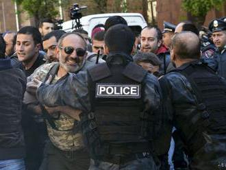 V Arménsku protestujú proti nominovaniu exprezidenta za premiéra