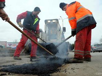 Cesta v Oravskej Lesnej už má nový asfaltový povrch