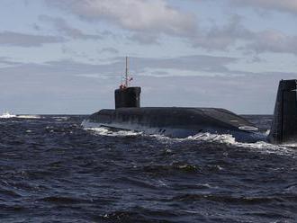 Ruské atómové ponorky si na Kamčatke zahrali duel