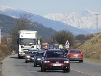D1 pri Ružomberku má nový problém, časť má byť hotová v roku 2022, ďalšia v roku 2026