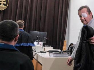 Brtva ani Pachinger do väzenia nenastúpili, polícia po odsúdených pátra