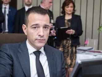Drucker nečakane končí ako minister, o Gašparovi nerozhodol