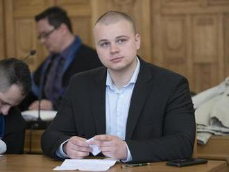 Mazurek dostal podľa PS slabý trest, no vidí v ňom silný odkaz pre extrémistov
