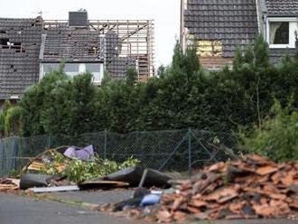 FOTO: DEŇ PO TORNÁDE: V Nemecku pokračujú s odstraňovaním škôd