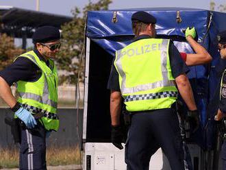 Európski policajti rozbili bunku pašerákov ľudí z Balkánu do Nemecka