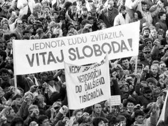 Ľudia cítia nostalgiu za socializmom, ale nie za jeho ekonomikou