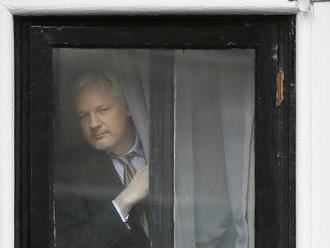 Ekvádor minul na ochranu Juliana Assangea na ambasáde v Londýne milióny dolárov