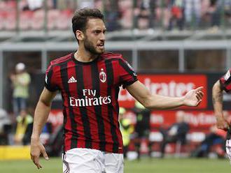 Milán hraje o skupinu Evropské ligy, Itálie pozná třetího sestupujícího