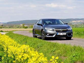 Test: Honda Civic 4D   jak jezdí sedan a v čem je lepší?