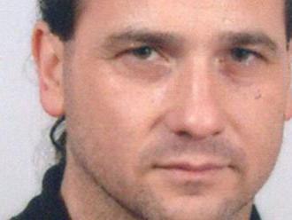 Polícia pri akcii v Martine zadržala človeka, údajne ide o žilinského bosa Salingera