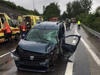 PRÁVE TERAZ Pri Žiline sa zrazila sanitka s autom: FOTO Veľa zranených, zasahuje vrtuľník