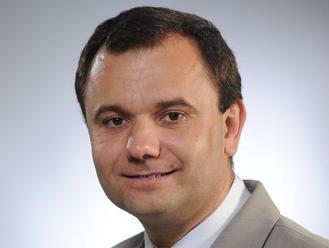 Pochybné rozhodnutie poslancov parlamentu: Médiá bude kontrolovať sympatizant Tisa