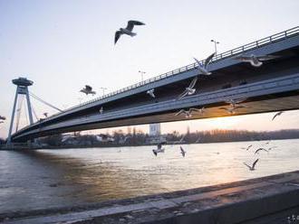 V nedeľu rátajte s obmedzením dopravy na bratislavských mostoch