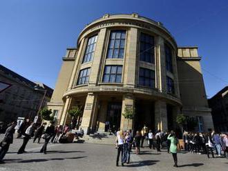 Univerzitu tretieho veku UK absolvovalo 364 študentov