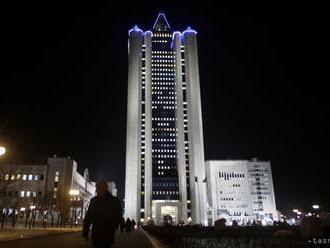 Gazpromu pozastavil výkon rozhodnutia súdu v spore s Naftogazom