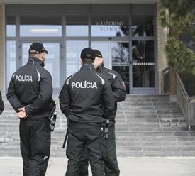 Polícia pomohla žene, ktorá sa sťažovala na vážne zdravotné problémy