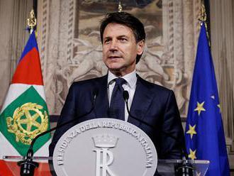 Taliansky a francúzsky líder sa stretnú napriek napätiu okolo lode Aquarius
