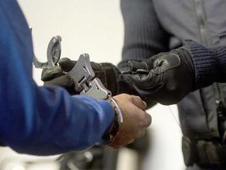 Objasnili príčiny zásahu v NAKA, policajti i civili čelia obvineniam