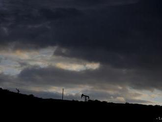 Ceny ropy v piatok vzrástli, za celý týždeň však smerujú k poklesu