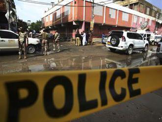 Pri dvoch útokoch v Pakistane zabili najmenej 75 ľudí