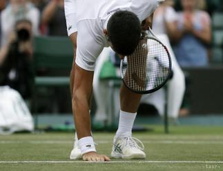 WIMBLEDON: Semifinále Djokovič - Nadal prerušili za stavu 2:1 na sety