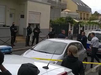 Na domy republikánskych lídrov v Belfaste hodili výbušniny