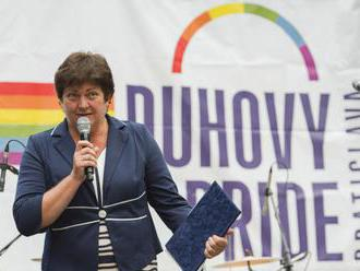 Ombudsmanka Dúhový Pride podporí osobne, SNS vidí dôvod na jej odchod