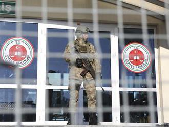 Turecký najvyšší súd potvrdil dlhé väzenie pre dvoch Čechov