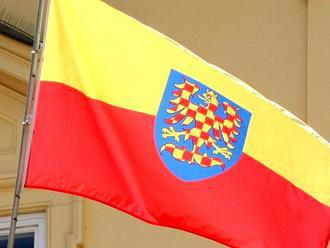 Moravskou vlajku vyvěsí v 1420 vesnicích a městech. Třetina z nich je v Čechách