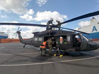 Ďalšia nová technika pre vojakov: na Slovensko dorazili dva americké Black Hawky