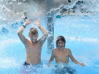V prevádzke je 14 prírodných a 172 umelých kúpalísk, návštevnosť je nízka