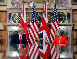 Začali sa rokovania amerického prezidenta Trumpa s premiérkou Mayovou