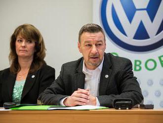 Martinskí zamestnanci VW SK podávajú žalobu na vedenie závodu