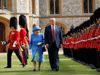 Trump pricestoval do Windsorského zámku na návštevu kráľovnej Alžbety