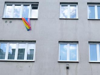 Patakyová vyvesila po roku opäť vlajku LGBTI, na priek SNS